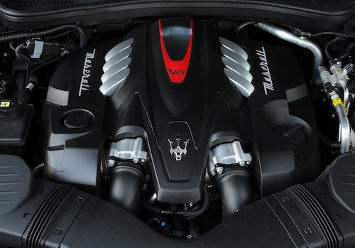 MaseratiQuattroporte_GTS_V8_Engine_0002