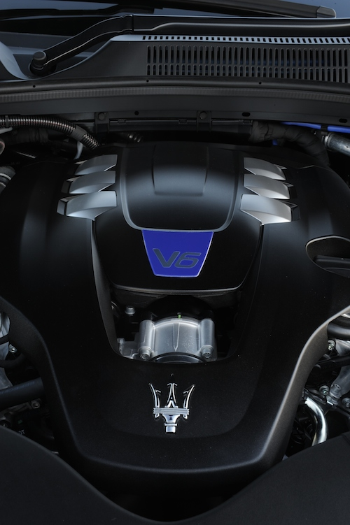 Maserati_Ghibli_S_AU-NZ_Engine_0002