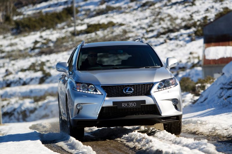 Lexus Winter Driving Tips with F1 Champ Alan Jones
